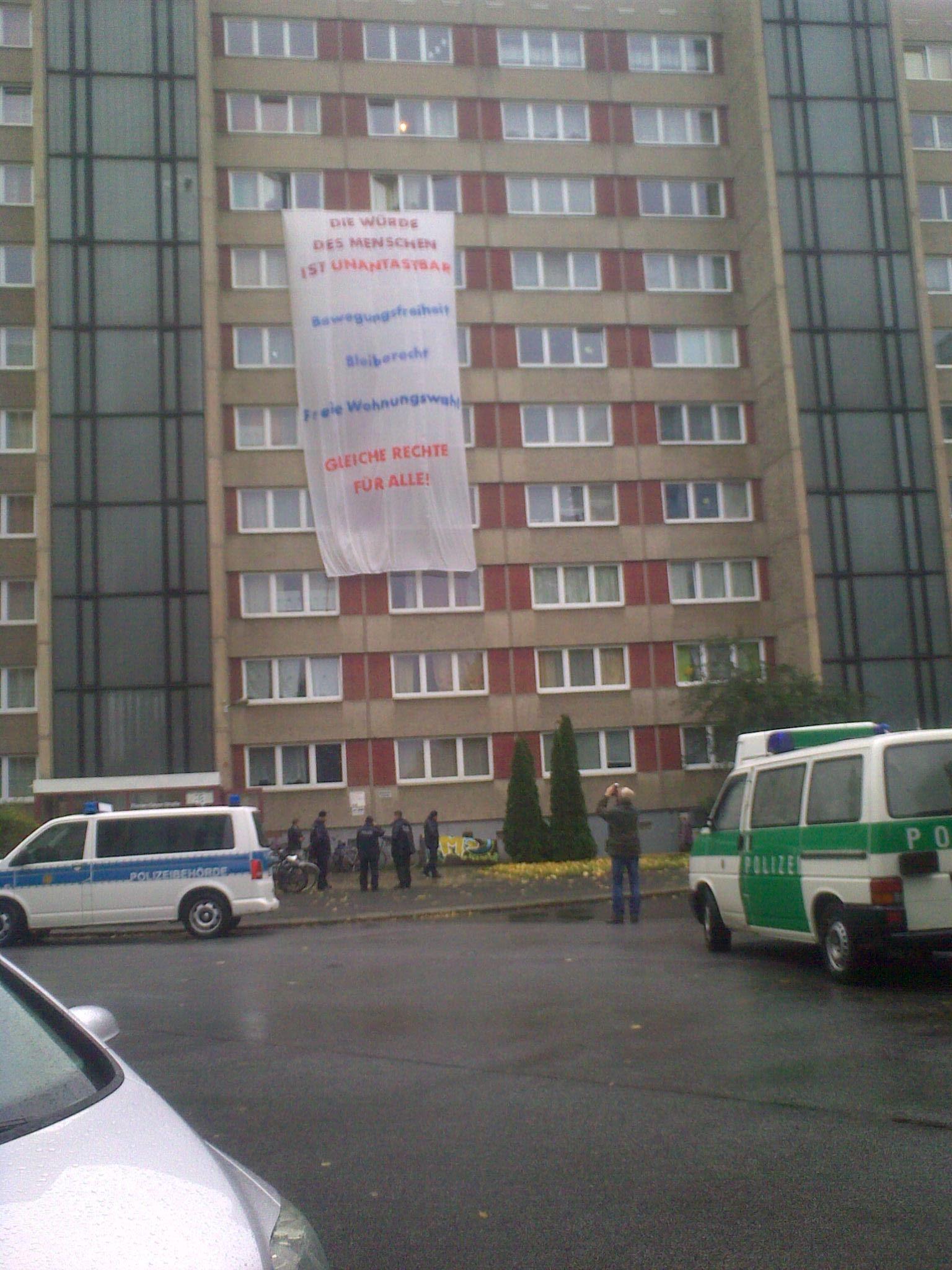 Transparent am Asylsuchendenunterkunft Florian Geyer Stra�e